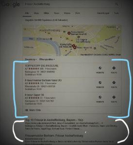 Mit LocalSeo können Sie wie hier im Bild blaue Ergebnisse herausstechen und ihre Konkurrenz abhängen Lokal gefunden werden und neue Kunden erreichen
